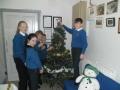 putting-up-christmas-tree-2018-2
